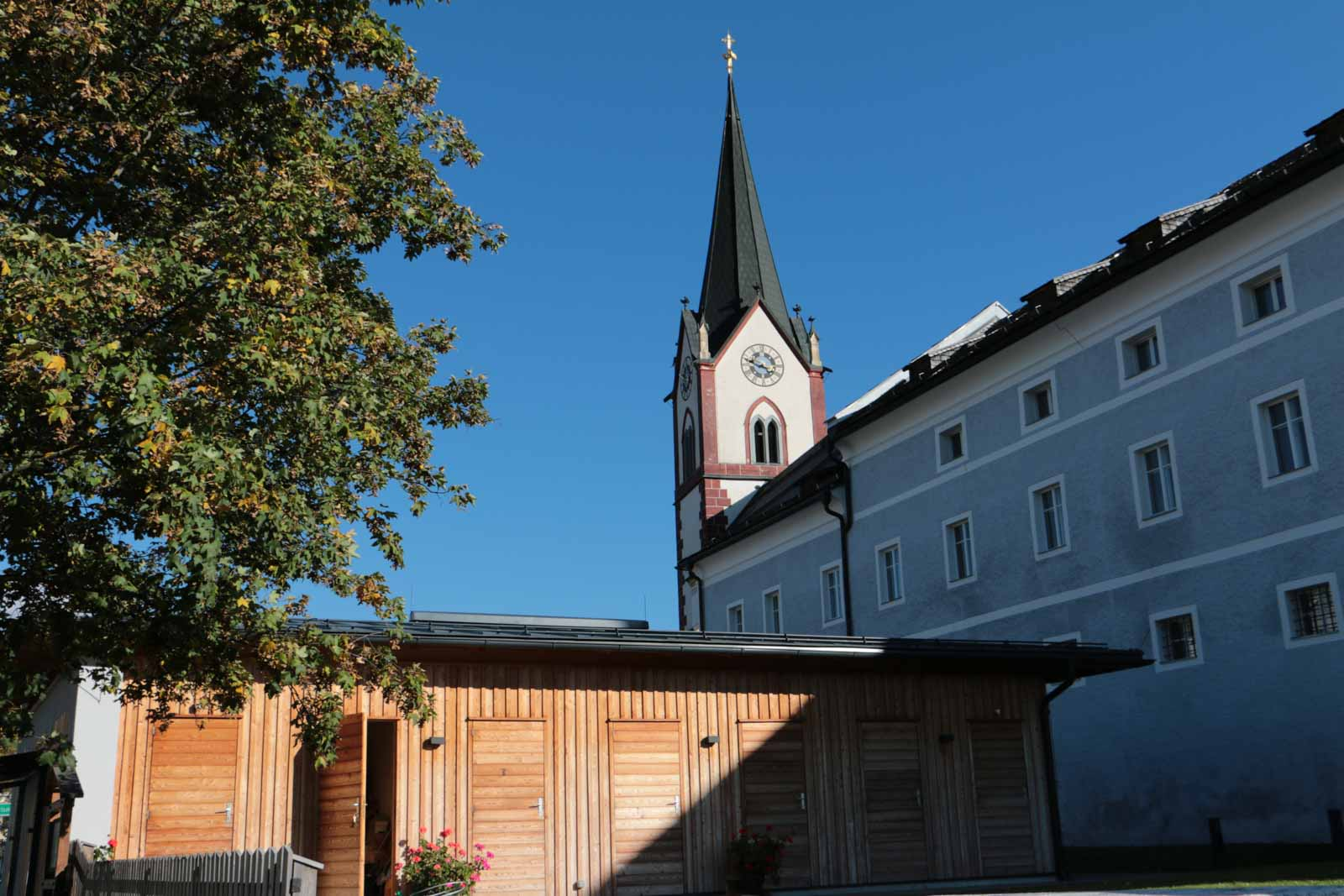 Sanierung pfarrhof mariapfarr holzbau mauterndorf for Architekt planung